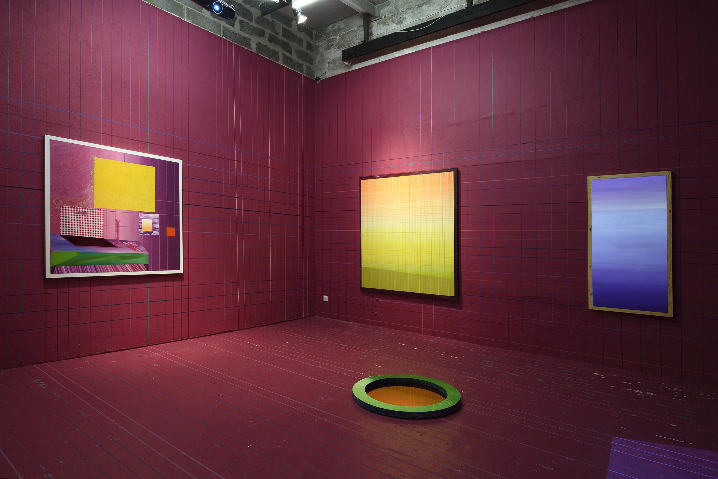 Exhibition view: Kristi Kongi. Pilt läbi pisarate. Visuaalne essee akendest vaatlemisest. Köler Prize, EKKM, Tallinn, 2016.